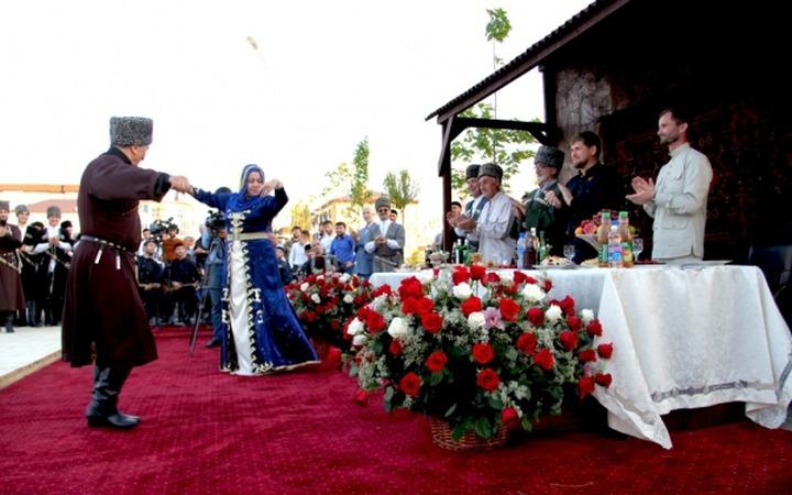 Конкурс национальных парных танцев стартовал в Чечне