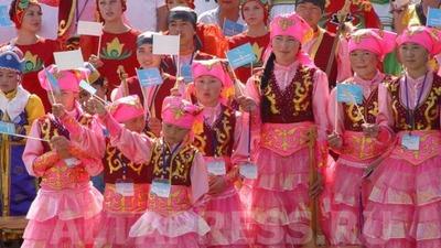 """В Алтайском крае в пятый раз проходит Международный фестиваль национальных культур """"Синяя птица"""""""