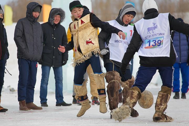 """В Якутске провели  республиканские соревнования """"Игры детей Арктики"""""""