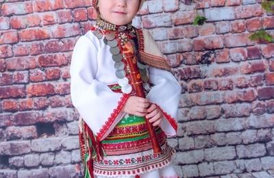 Конкурс фотографий родителей с детьми в национальных костюмах стартовал в Мордовии