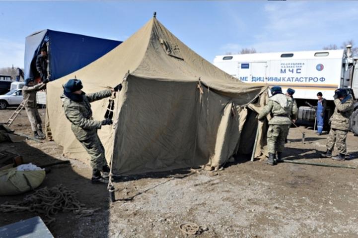 Задержанных во время рейдов в Москве мигрантов поселят в палаточном лагере