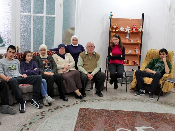 Группа сирийских осетин-беженцев уехала из России в Турцию