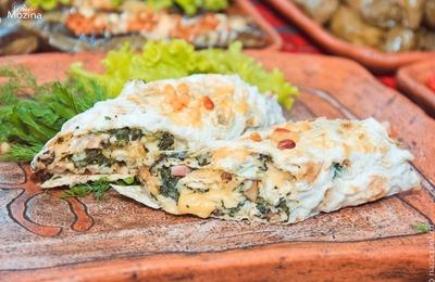 Японских и мексиканских болельщиков угостили блюдами уральских народов
