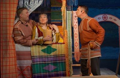 В Сыктывкаре состоялась премьера спектакля о жизни в коми деревне