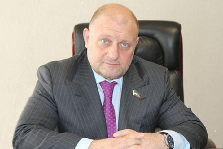 Министр ЧР по нацполитике: Чеченцев пытаются представить как дикарей