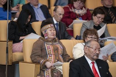 Российские законы о правах коренных малочисленных народов перевели на английский язык
