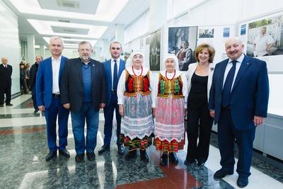 """Выставку """"Россия многонациональная"""" презентовали в Госдуме"""