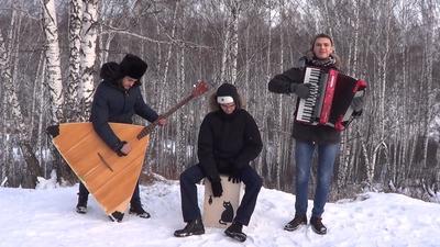 """Сибирские музыканты сыграли популярный хит """"Despacito"""" на балалайке и ложках (ВИДЕО)"""