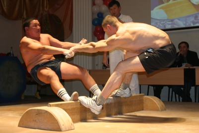 Якутский мас-рестлинг представили на фестивале Арнольда Шварцнеггера