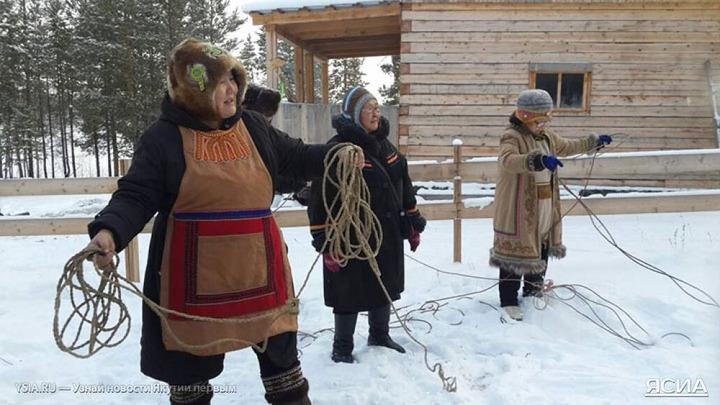 Якутские эвенки встретили первый снег