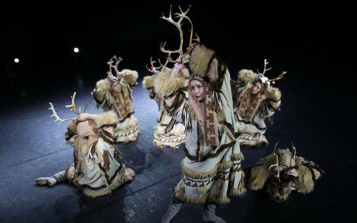 Ямальцам на карантине расскажут о традиционных песнях и танцах народов Севера