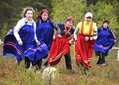 На осенних Саамских играх северянки сразились в футбол с девушками из Норвегии