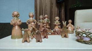 Воронежцев научили лепить карачунскую глиняную игрушку