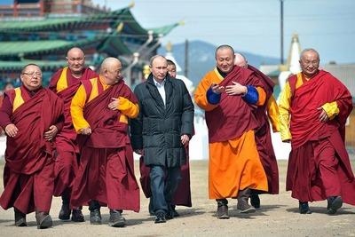 Путин пообещал оказать поддержку российским буддистам