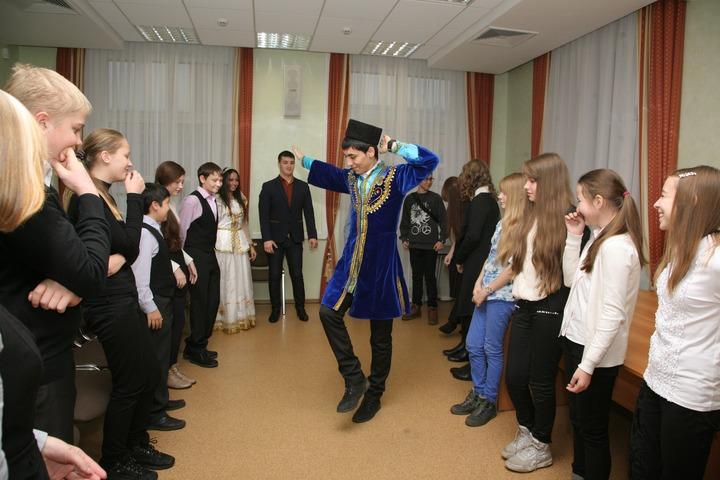 Школьников Удмуртии познакомили с культурами живущих в республике народов