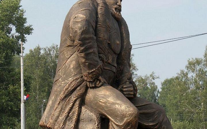 Сибирские татары выступили против установленного в Омской области памятника Ермаку