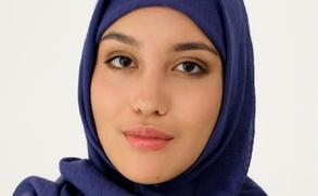 В рекламе российской сети магазинов впервые появилась модель в хиджабе