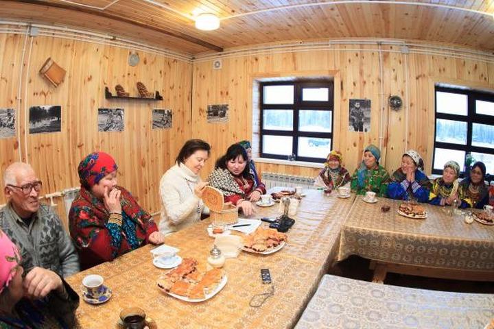 Югра предложила создать Межрегиональный совет по финно-угорским языкам