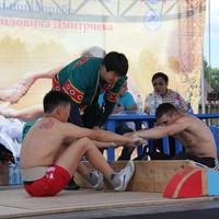 Якутские национальные виды спорта на праздновании Ысыаха-2013