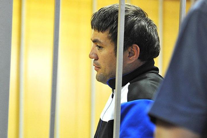 Суд признал Расуловых виновными в нападении на полицейского на Матвеевском рынке