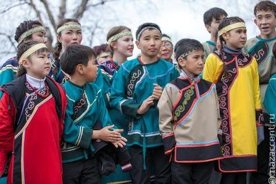 На Сахалине будут бесплатно кормить школьников из семей коренных малочисленных народов
