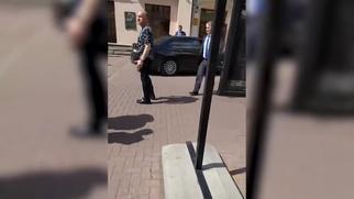 Бывший чиновник заявил, что избил девушку на Арбате за антисемитизм