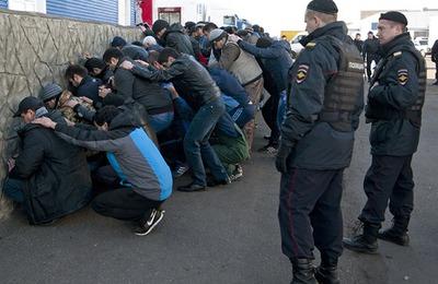За три дня столичная полиция задержала больше 14 тысяч мигрантов