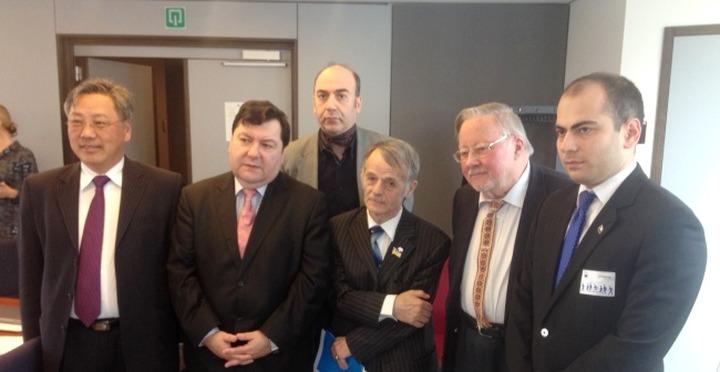 Крымские татары проведут свой референдум о статусе республики