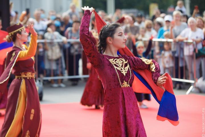 Народы России и СНГ сыграли в футбол и шахматы на Фестивале национального гостеприимства в Москве