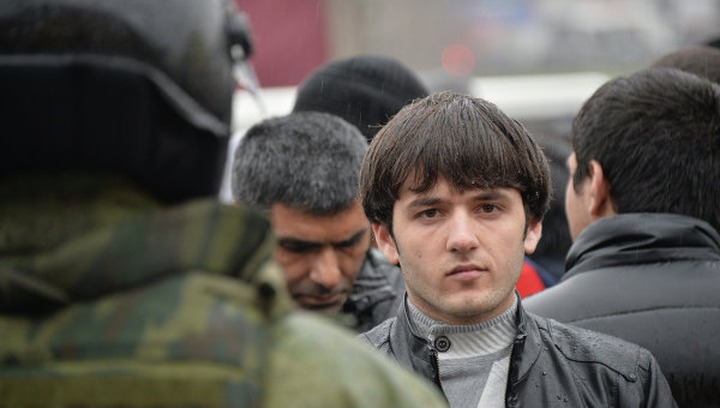 Депутат предложил запретить мигрантам работать в школах России