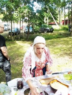 Гостей праздника в Ленобласти накормили блюдами исчезающего народа