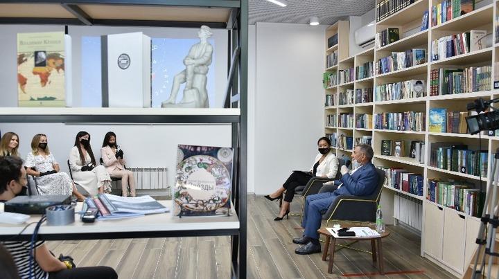 Блогеры пожаловались президенту Татарстана на проблему размещения контента на татарском языке