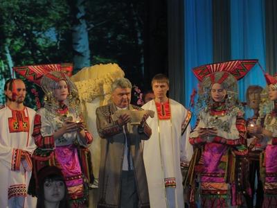 Мэр Саранска открыл V съезд финно-угорских народов РФ в национальном костюме