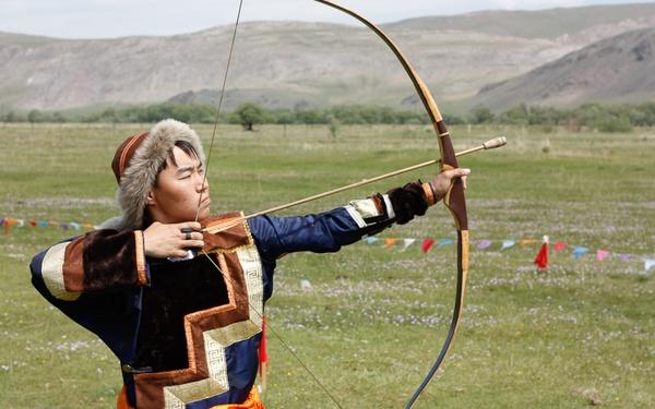 Бурятскую стрельбу из лука предложат внести во всероссийский реестр видов спорта