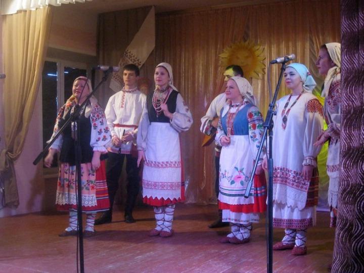 В Брянске на Крещение провели фольклорный фестиваль