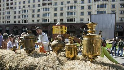 На Самоварфесте в Москве накормят хингалшем и шаньгами