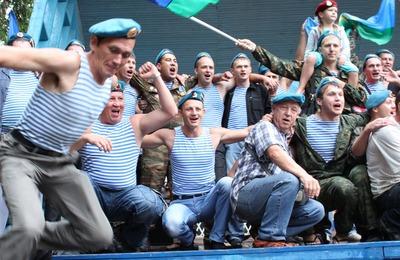 Узбекская диаспора на Камчатке уладила конфликт между десантниками и мигрантами
