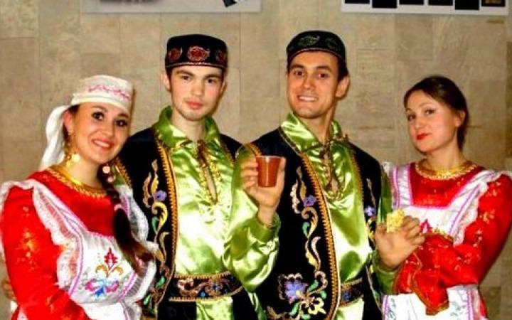 Нам татарам лишь бы даром?