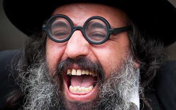 Скажите ей, что я еврей
