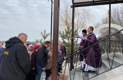 В Волгограде прошел крестный ход против коронавируса