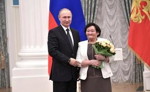 Путин вручил Орден Дружбы женщине-оленеводу