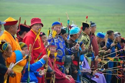 Глава Тувы предложил установить в каждом районе по юрте и придумать туристические изюминки