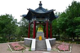 Калмыки проведут обряд очищения у оскверненной статуи Будды