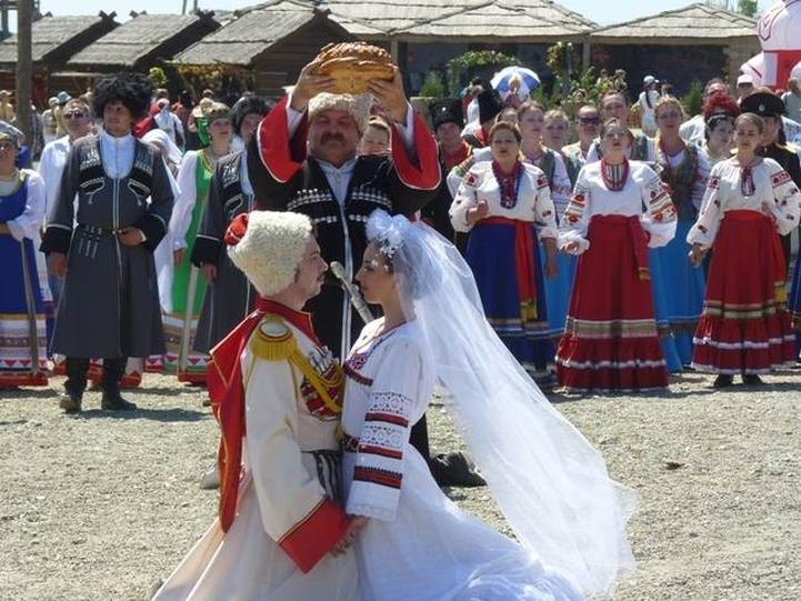"""Фестиваль свадебной выпечки """"Ряднэ гильце"""" пройдет в кубанской станице Атамань"""