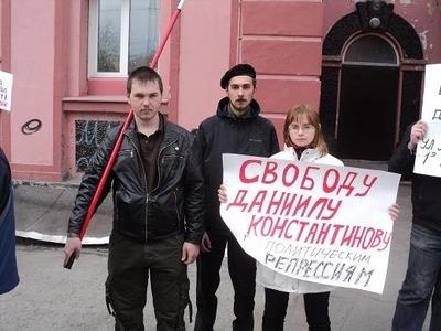 Защитники Константинова призвали правоохранителей ловить не оппозиционеров, а жуликов и воров