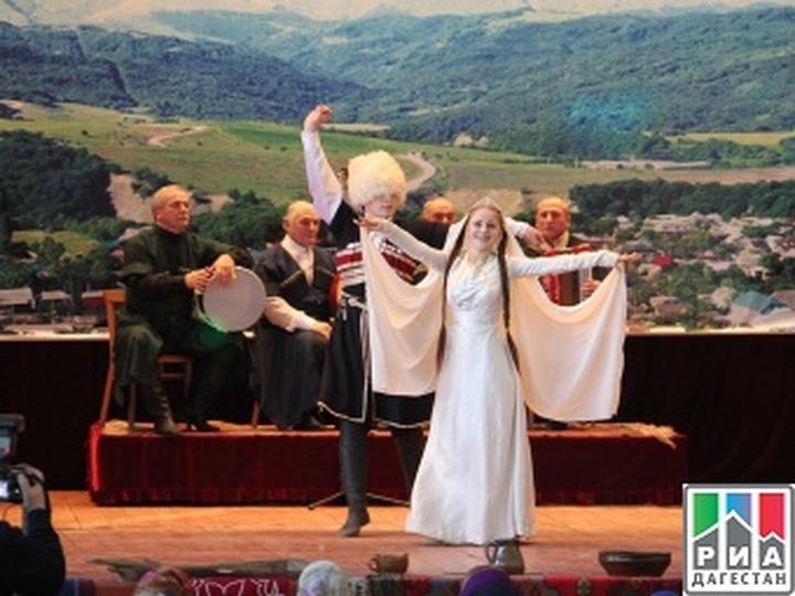 """В Дагестане прошел фестиваль """"Песни и танцы моего народа"""""""