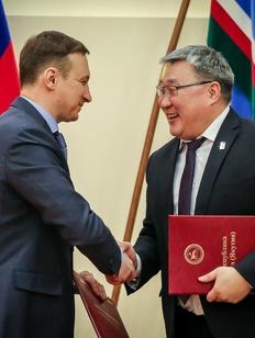 В Якутии впервые подписали соглашение между недропользователями и национальными районами