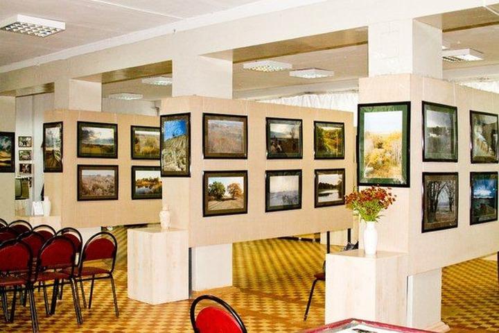 Картину татарского художника о Великой Отечественной войне подарят волгоградцам