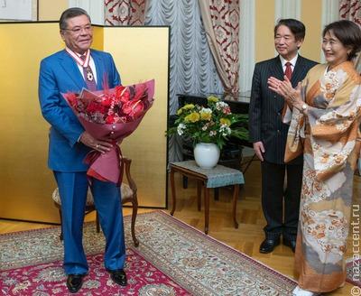 Меценату Фаттаху Шодиеву вручили японский Орден Восходящего Солнца
