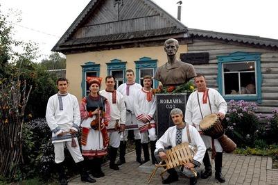 """Фестиваль резчиков """"Вейсэнь ундокст"""" начался в Мордовии"""